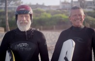 バリー&アート 66、67歳 今日も笑顔で波に乗る