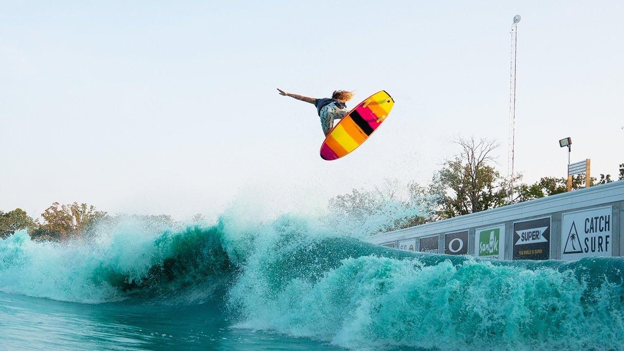 CATCH SURFライダーズによるプールセッション